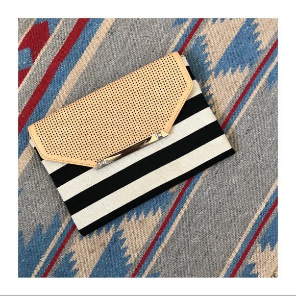 Stella & Dot Handbags - LIKE NEW | Stella & Dot City Slim Clutch
